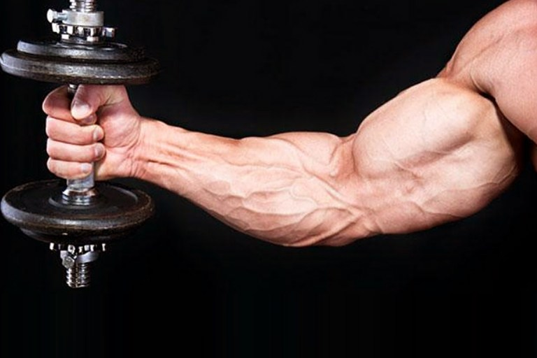 5 Dumbbell Workouts To Get Attractive Arms